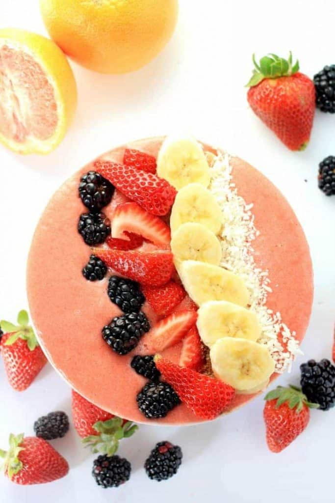 grapefruit-breakfast-smoothie-bowl
