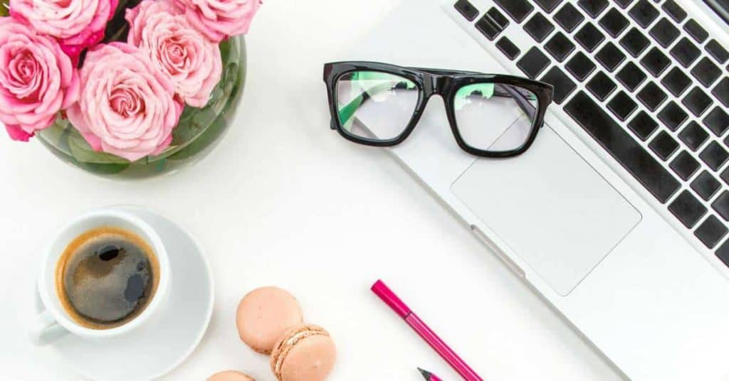 How I Made $1989.18 In My Third Month Blogging – My First Blog Income Report