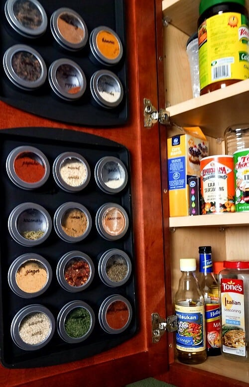 DIY Magnetic Dollar Store Spice Rack Organization
