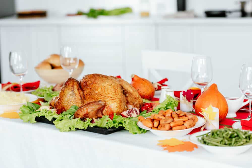 10 Tips to Host Thanksgiving Dinner on a Budget