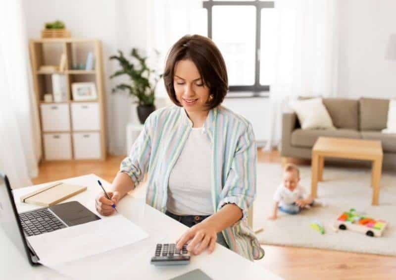 21+ of the best work at home jobs for moms that pay well.