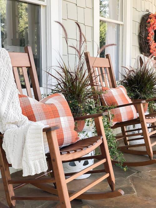 21 DIY Fall Porch Decorating Ideas
